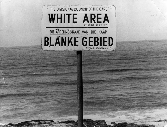 Le White Only Beach in South Africa, in the 1940s.