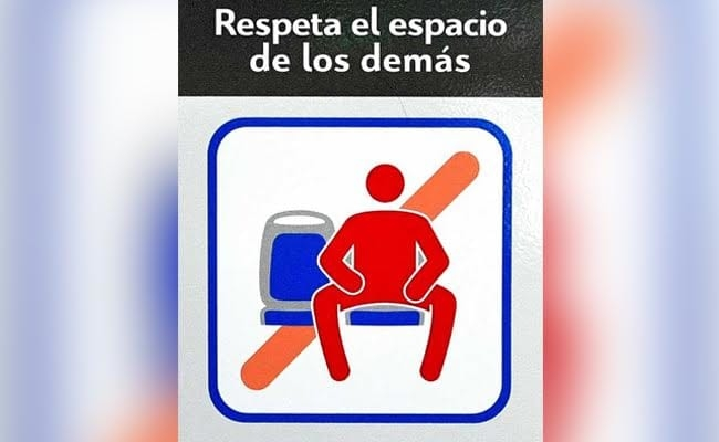 Campain in the public transportation in Madrid against manspreading.